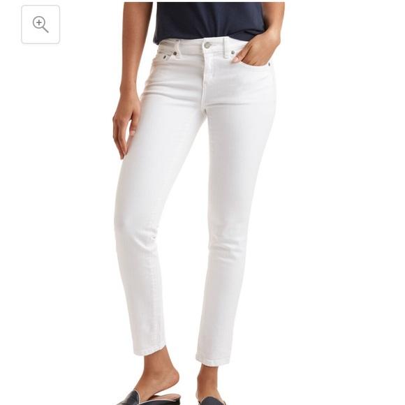 Vineyard Vines Denim - Vineyard Vines white denim jeans